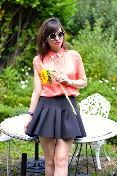 coral Danity shirt - black neoprene H&M skirt