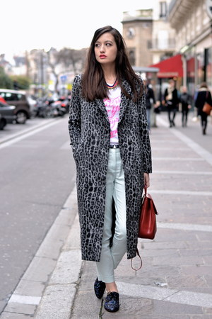 grey leopard H&M coat - blue sparkle Galerie La Fayette shoes