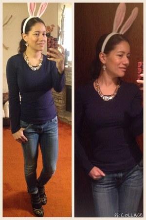 silver Akira necklace - black ASH boots - blue skinny Vigoss jeans