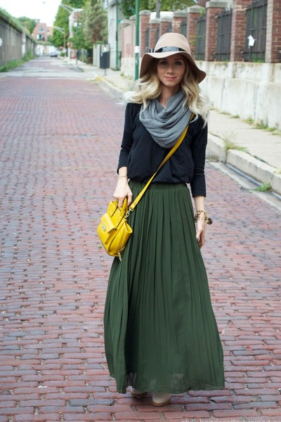 How to Take Your Maxi Skirt from Summer to Fall | ModLi Blog