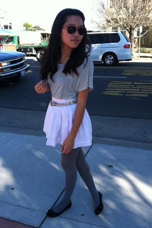 printed Forever 21 tights - white eyelet skirt