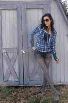 blue shirt - black shorts - gray tights - gray TOMS shoes