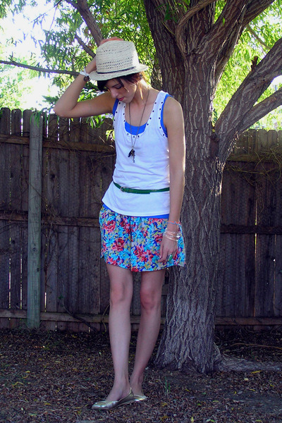 beige Forever 21 hat - white Forever 21 top - blue Zine top - blue Forever 21 sk