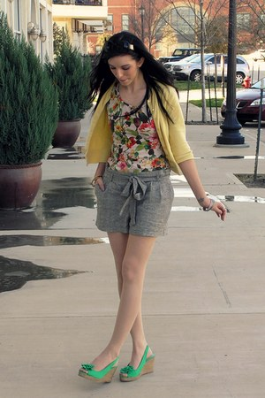 charcoal gray paper bag waist Forever 21 shorts - yellow thrifted George cardiga