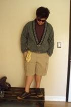 HOOPLA jacket - Guess t-shirt - Cargo shorts - Van Heusen belt - Rockport shoes