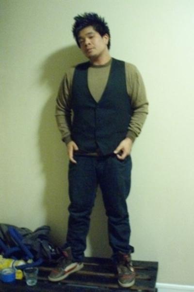merona shirt - Postilliano vest - Levis jeans - Puma shoes