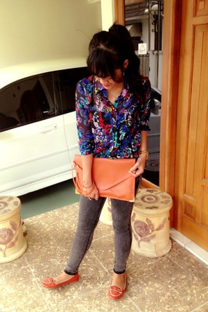 navy Skull shirt - gray Zara jeans - carrot orange Le Printemps bag