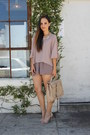 Beige-dailylook-bag-tan-dailylook-shorts-tan-dailylook-top