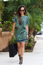 black tote Charlotte Russe bag - dark green floral print SaVous skirt