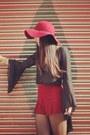Black-bell-sleeves-for-love-and-lemons-top-crimson-floppy-hat-nasty-gal-hat