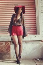crimson floppy hat Nasty Gal hat - crimson Forever 21 shorts