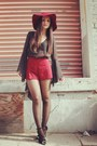 Crimson-floppy-hat-nasty-gal-hat-crimson-forever-21-shorts