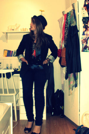 black BikBok blazer - blue Vero Moda pants - black Cubus top - black H&M shoes -