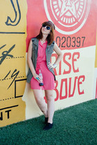 silk shirt Stitch Fix dress - sparkle Betsey Johnson sunglasses