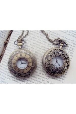 clock MMM accessories