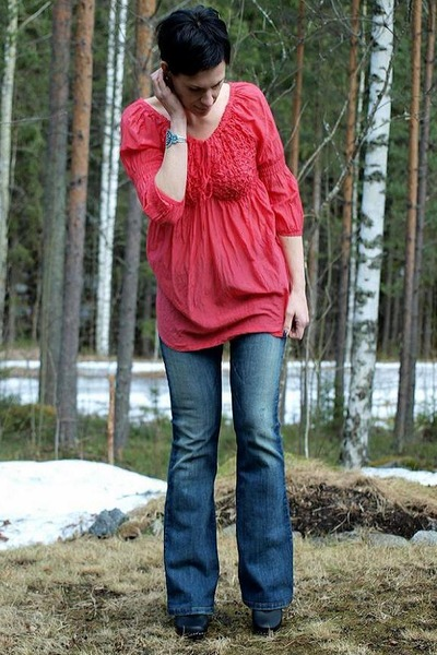 red Saint Tropez blouse - blue Only jeans - black Swedish Hasbeens shoes