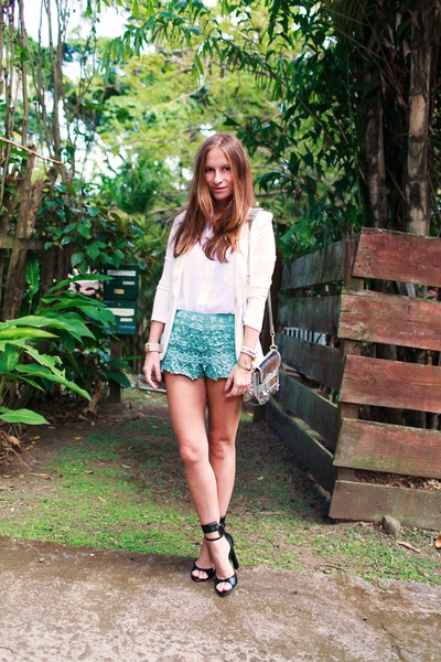 Chicwish-shorts-chicwish-blouse