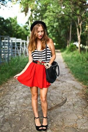 Zara skirt - Steve Madden heels - Et Vous top