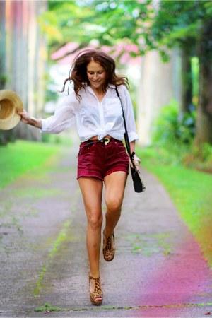 MinkPink shorts - H&M shirt