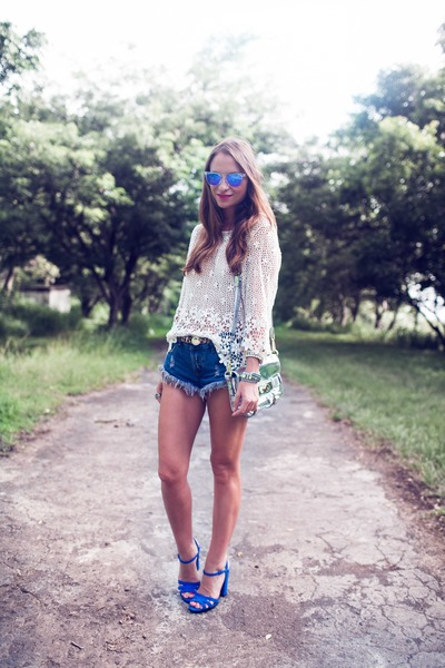 Chicwish top - nastygal shorts