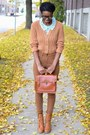 Brown-thrifted-boots-brown-levis-jeans-tawny-braided-satchel-thrifted-bag