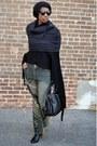 Black-modcloth-boots-dark-khaki-vintage-jeans