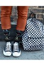 Black-foot-traffic-socks-carrot-orange-skinny-urbanog-jeans