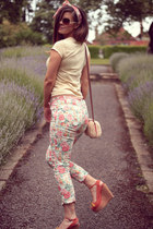 white floral print Primark jeans - neutral basket Primark bag