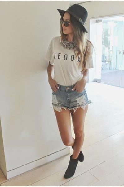 white meoow shirt - black hat hat - blue H&M shorts