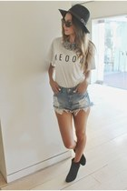 white meoow shirt - black hat hat - blue H&M shorts