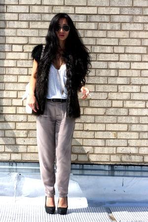 Club Monaco pants - Zara shoes - vintage vest - Chanel bag - vintage accessories