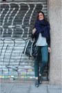 Uterque-shoes-zara-blazer-zara-scarf