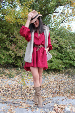 Mustang boots - Zara dress - MMComplementos earrings