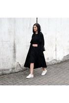 black MUNTHE coat - white Michael Kors shoes - black FOI bag