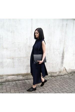 black lintervalle shoes - navy SK Cole dress - black Studio Cosima bag