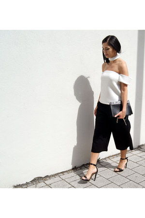 black Cafune bag - black HEIM pants - white Alphabe the label top