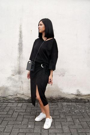 black FOI bag - white Zara shoes - black suede Mango skirt