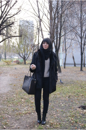 fur Secondhand coat - H&M shoes - c&a sweater - romwe bag - Bershka pants