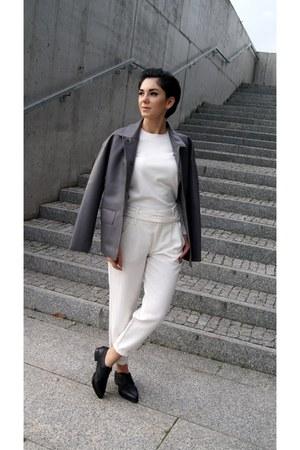 white Front Row Shop blouse - black Choies shoes