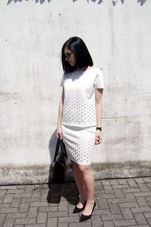 black Hieleven bag - white The Rushing Hour skirt - black KLARF watch