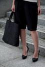 Black-mohito-bag-black-front-row-shop-shorts-white-zara-blouse