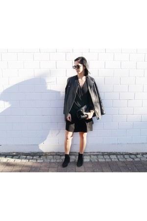 black suede Mango shoes - black Mango dress - black leather H&M jacket