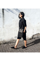 black FOI bag - black Studio August top