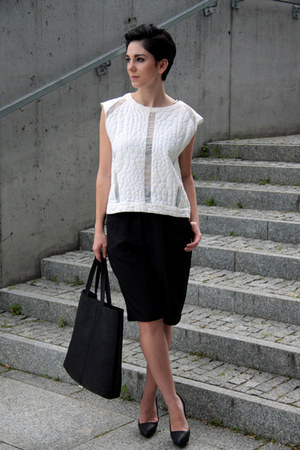 black Mohito bag - black Front Row Shop shorts - white Zara blouse