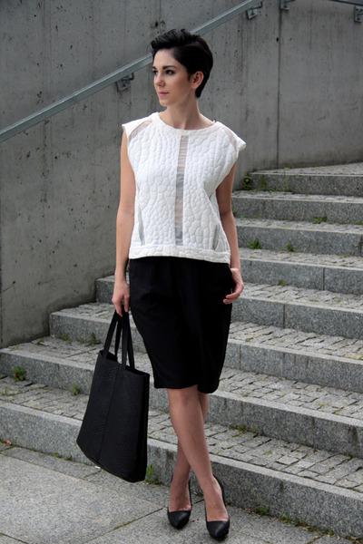 black Mohito bag - black Front Row Shop shorts - white Zara blouse