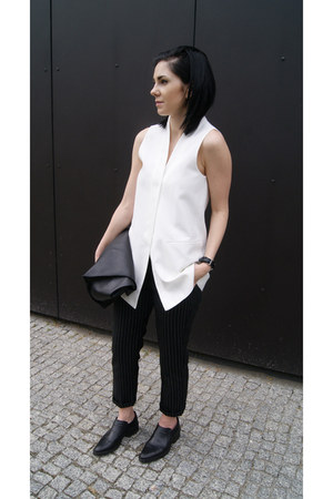 black H&M shoes - black Zara bag - black Sheinside pants - white Mango vest