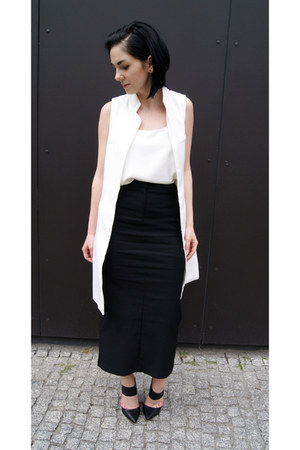 black Jessica Buurman shoes - white Mango top - black Front Row Shop skirt