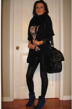 blue Spring shoes - black Costa Blanca leggings - pink Zara t-shirt - black Cost