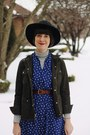 Navy-midi-floral-kaiho-vintage-dress-black-wide-brimmed-urban-outfitters-hat