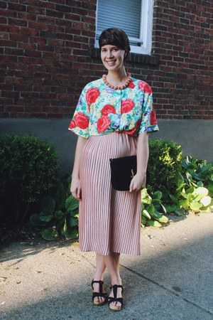 violet floral Fancy Lucky Vintage blouse - black Urban Outfitters shoes
